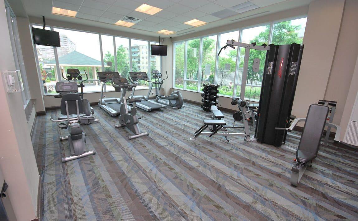 elle-condos-3525-kariya-dr-mississauga-amenities-gym-cardio