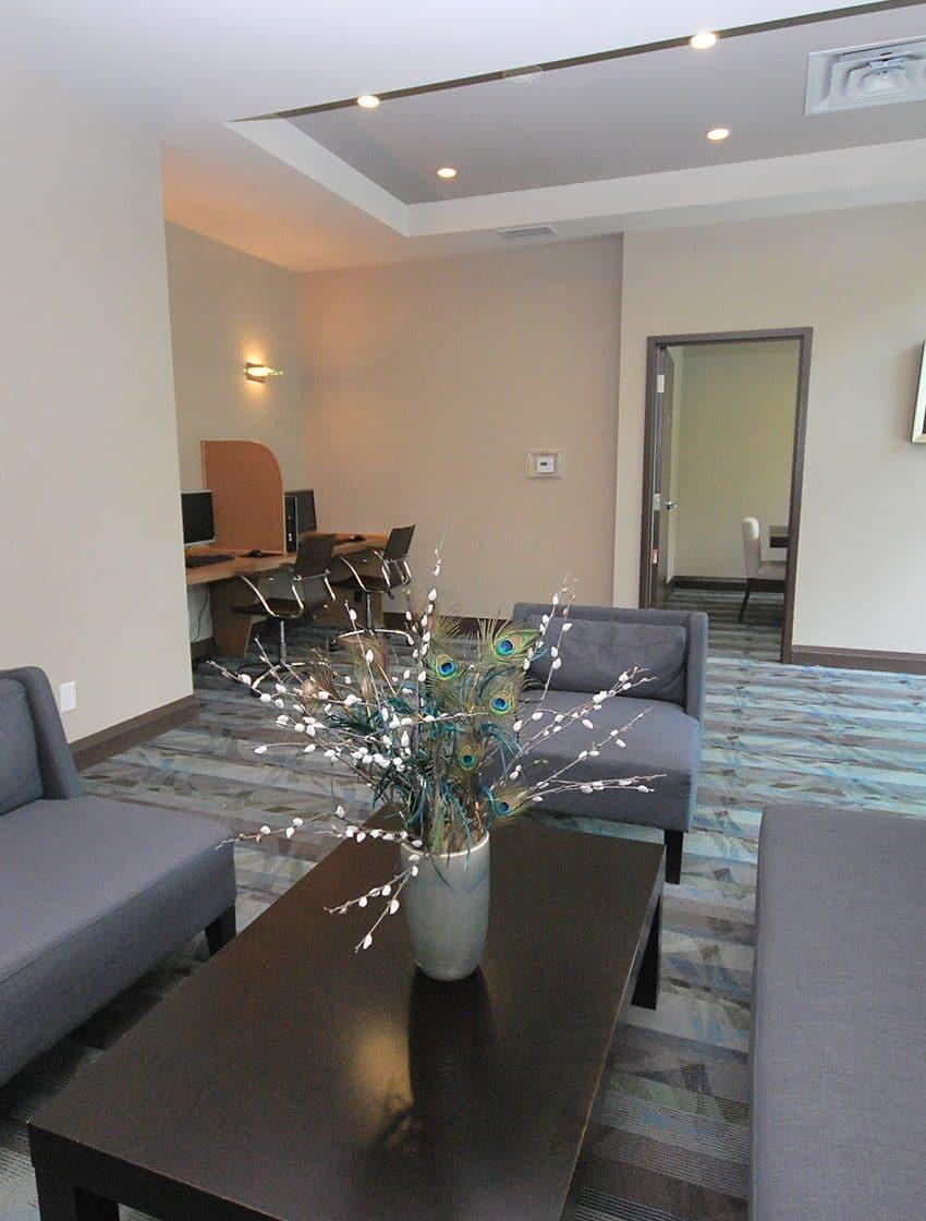 elle-condos-3525-kariya-dr-mississauga-lounge-co-working-space