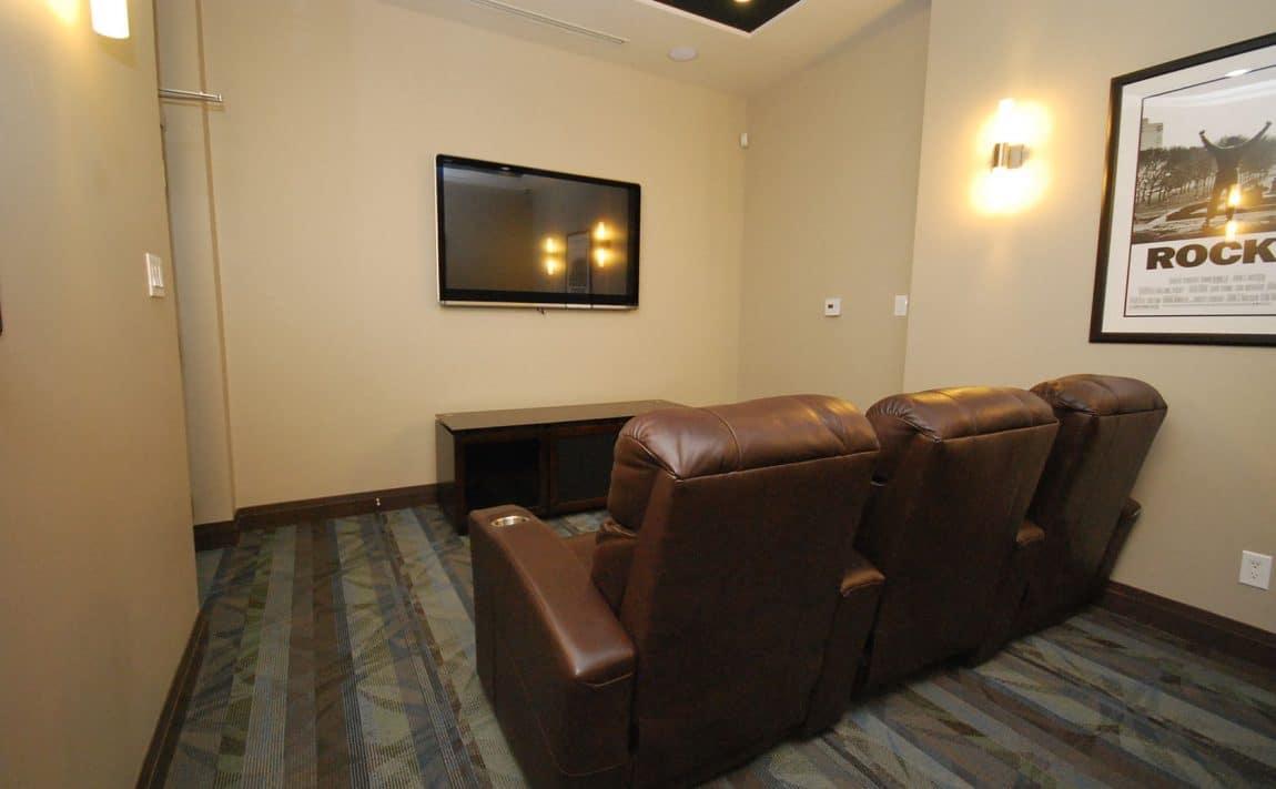elle-condos-3525-kariya-dr-mississauga-theatre-room