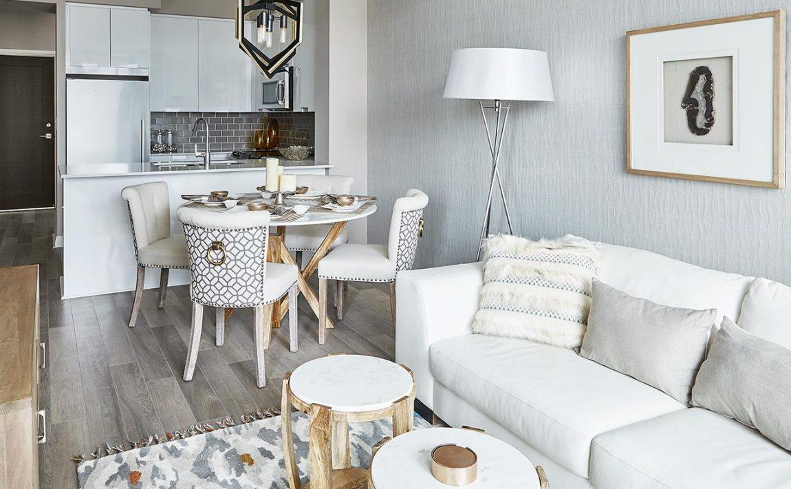 perla-condos-5044-hurontario-st-mississauga-living-room