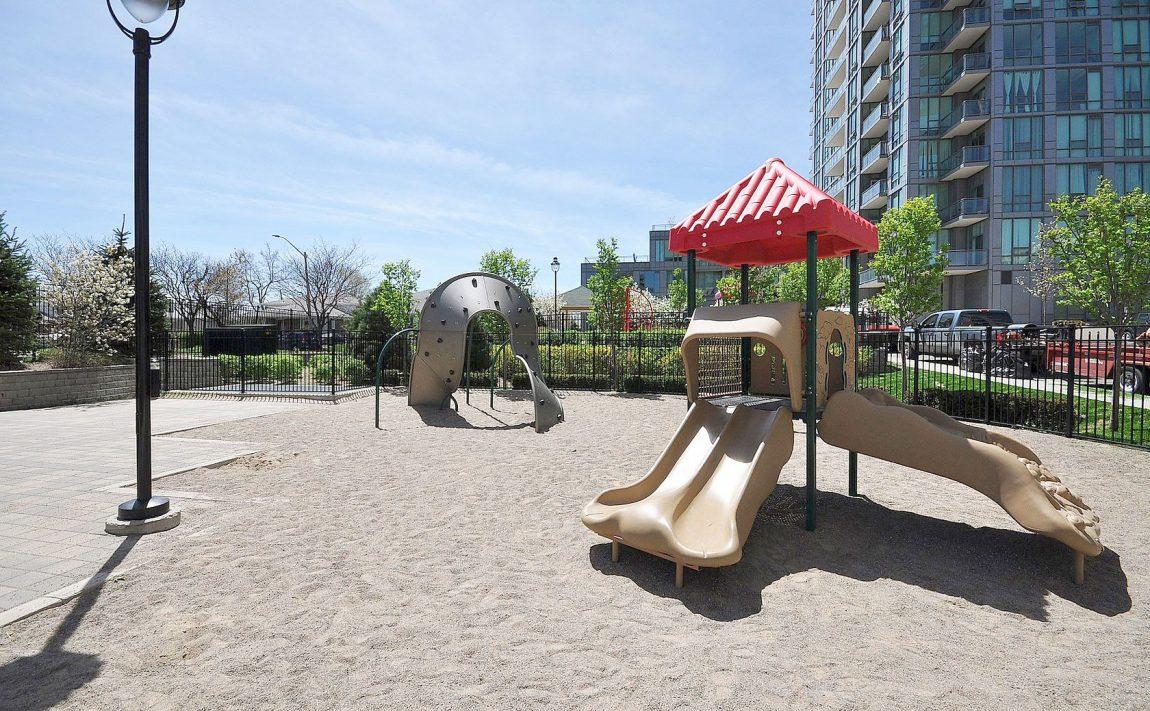 3515-kariya-dr-condos-mississauga-eve-children-playground