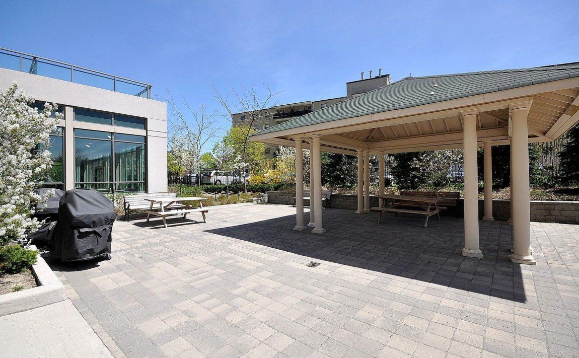 3515-kariya-dr-condos-mississauga-eve-outdoor-terrace-bbq