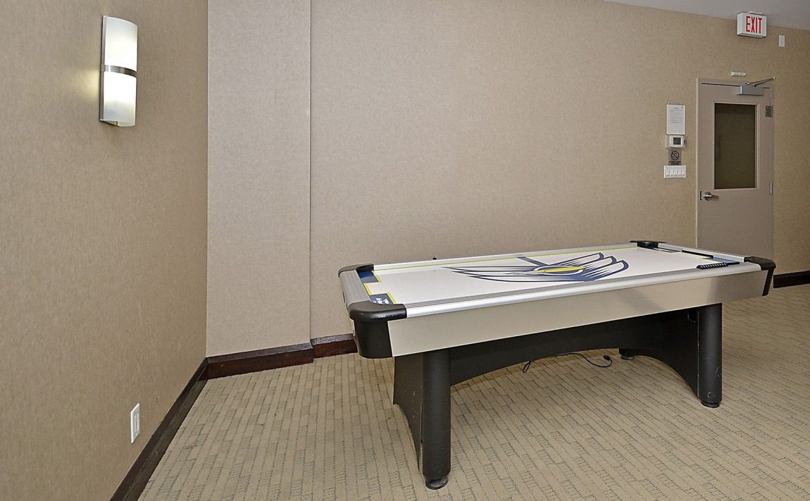 eden-park-3504-hurontario-st-mississauga-games-room