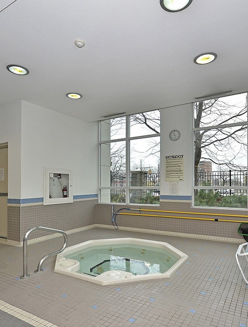 eden-park-3504-hurontario-st-mississauga-indoor-hot-tub