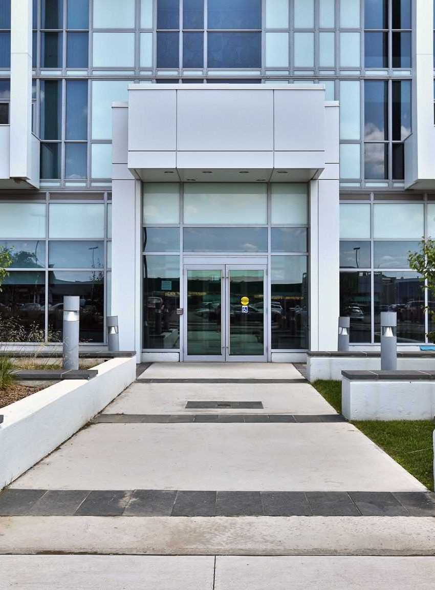 55-speers-rd-65-speers-rd-rain-senses-condos-oakville-front-entrance