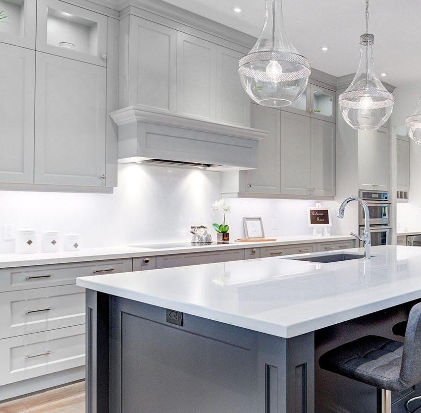 67-lakeshore-rd-w-oakville-condos-for-sale-kitchen