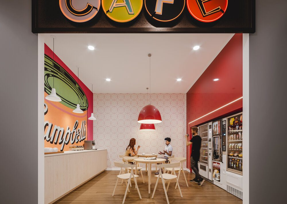 reina-condos-689-the-queensway-etobicoke-amenities-cafe