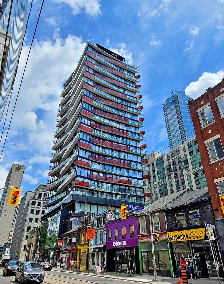smart-house-condos-215-queen-st-w-toronto-for-sale
