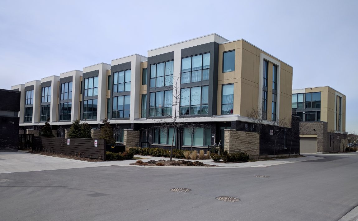 marquee-towns-little-creek-rd-four-springs-mississauga-luxury-townhouses-amenities