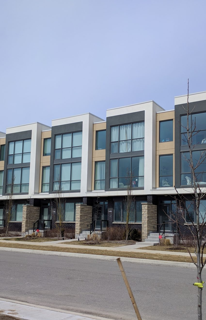 marquee-towns-little-creek-rd-four-springs-mississauga-luxury-townhouses-modern