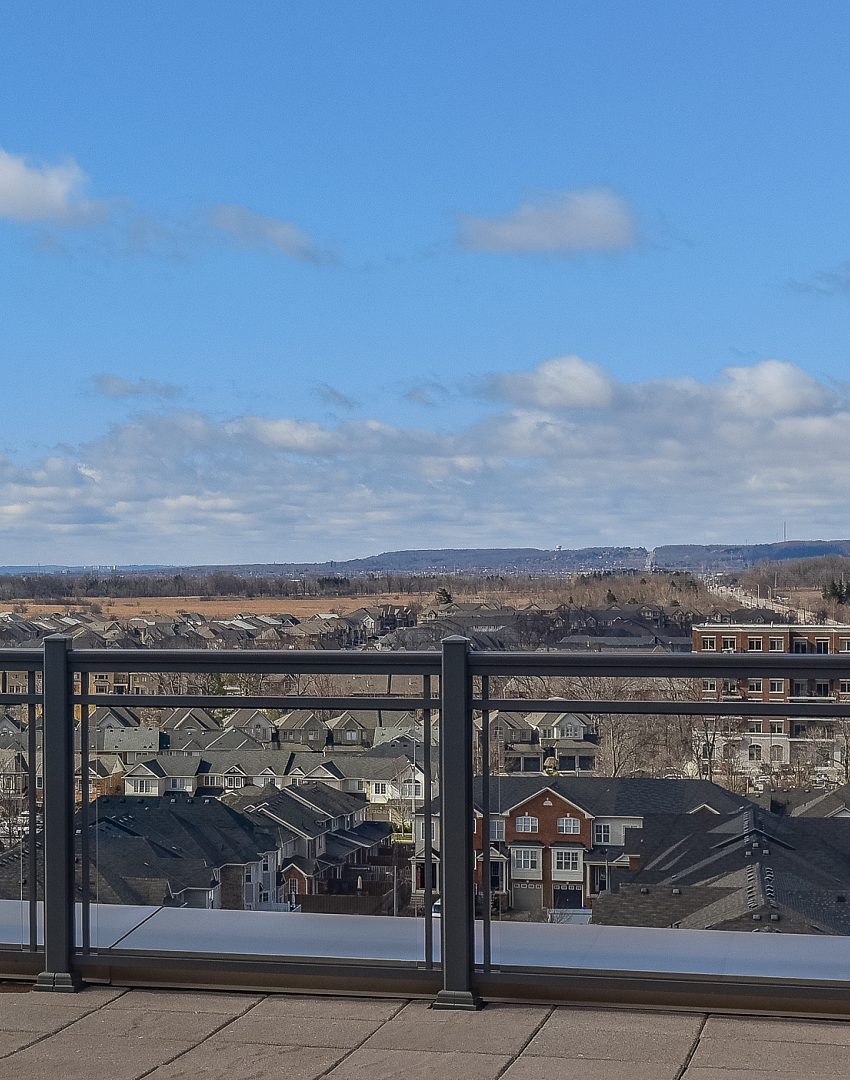 2486-old-bronte-rd-2490-old-bronte-rd-oakville-mint-condos-rooftop-terrace