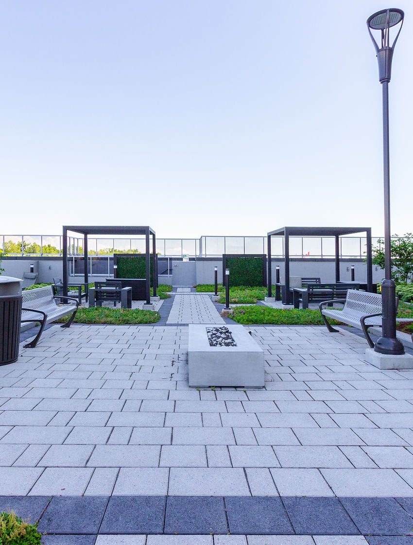 paradigm-condos-2081-2087-2093-fairview-st-burlington-outdoor-terrace