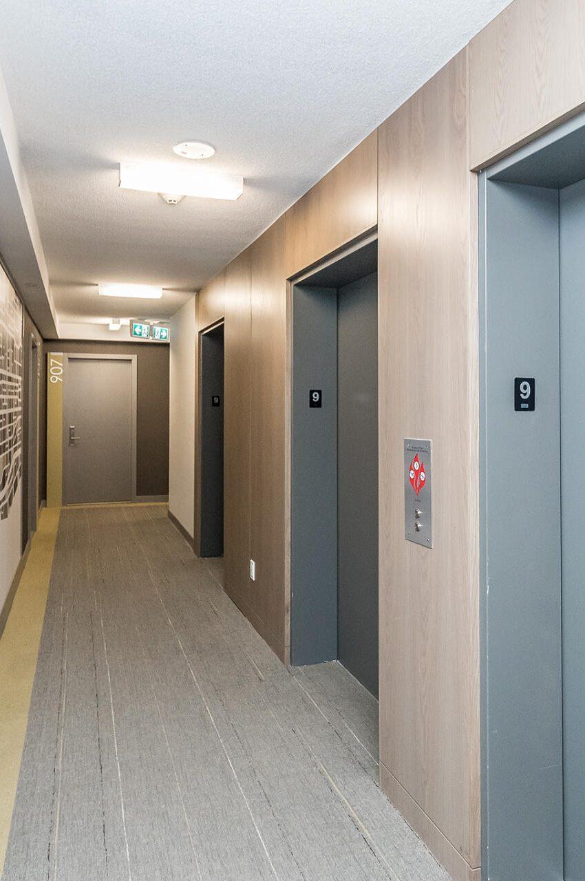 the-kip-district-one-20-thomas-riley-rd-condos-etobicoke-elevator-lobby