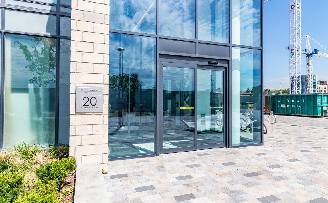 the-kip-district-one-20-thomas-riley-rd-condos-etobicoke-foyer