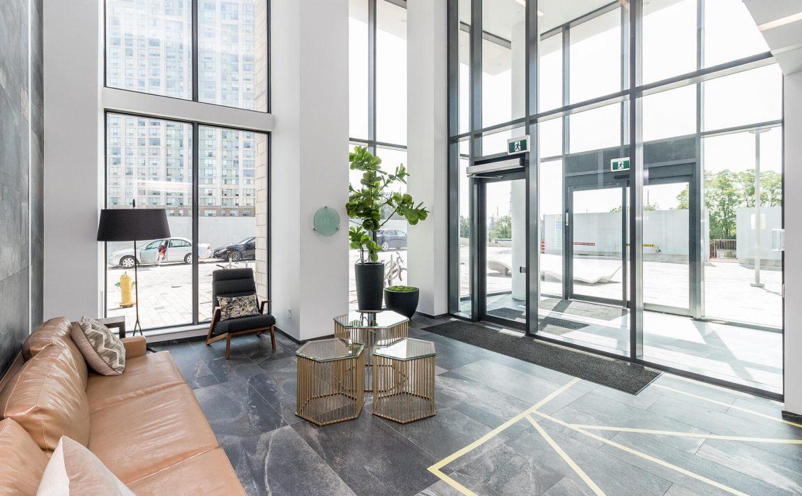 the-kip-district-one-20-thomas-riley-rd-condos-etobicoke-foyer-concierge