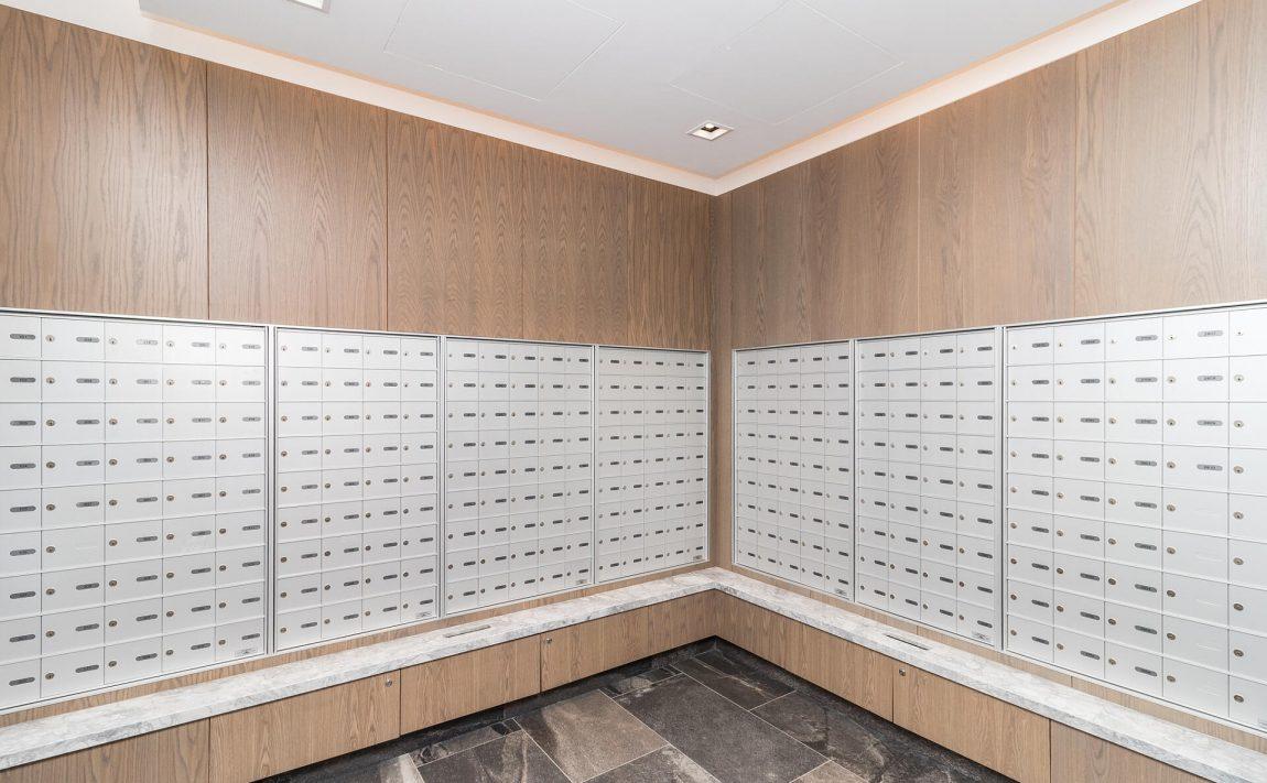the-kip-district-one-20-thomas-riley-rd-condos-etobicoke-mailroom