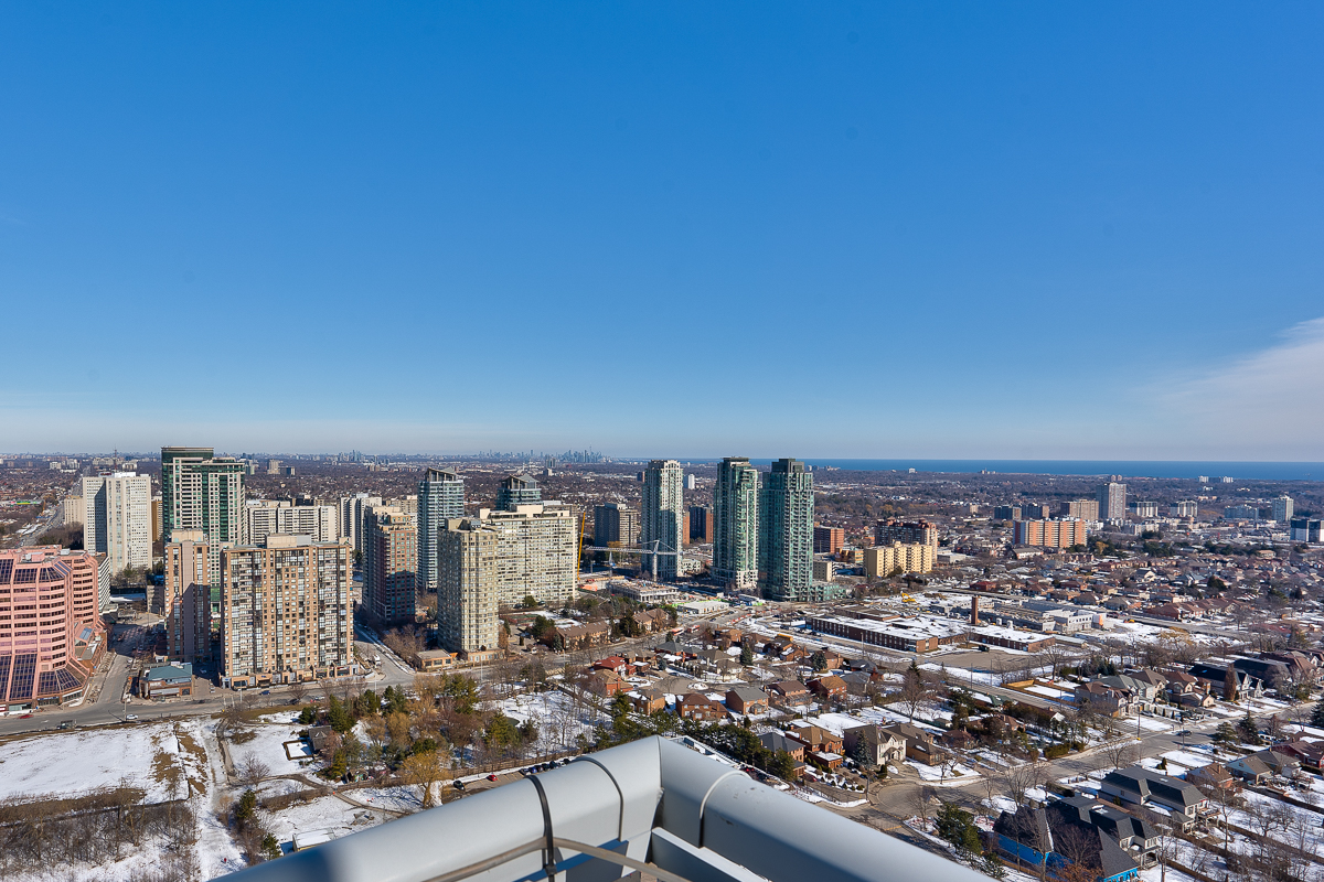 3404-223-webb-dr-onyx-penthouse-square-one-views-south-east