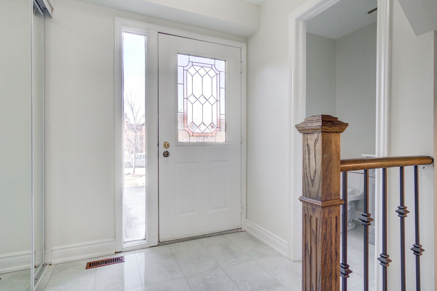 brampton-houses-for-sale-real-estate-front-door