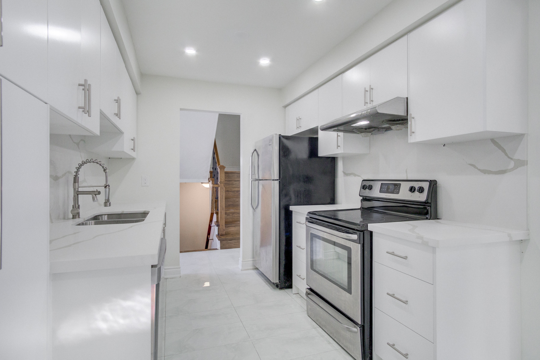 brampton-houses-for-sale-real-estate-kitchen-stainless-steel-appliances