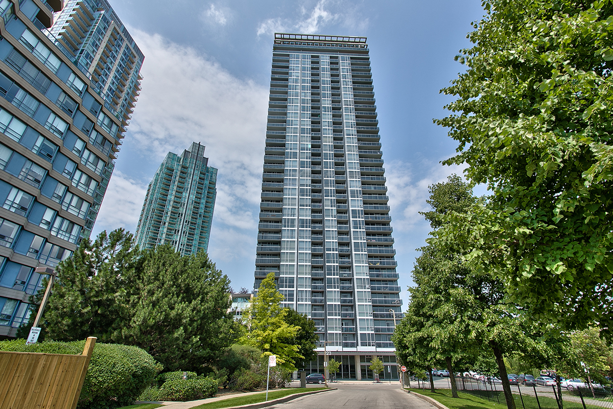onyx-penthouses-223-webb-dr-condos-square-one
