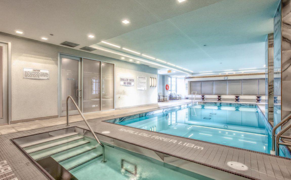 riva-del-lago-110-marine-parade-dr-humber-bay-shores-amenities-hot-tub