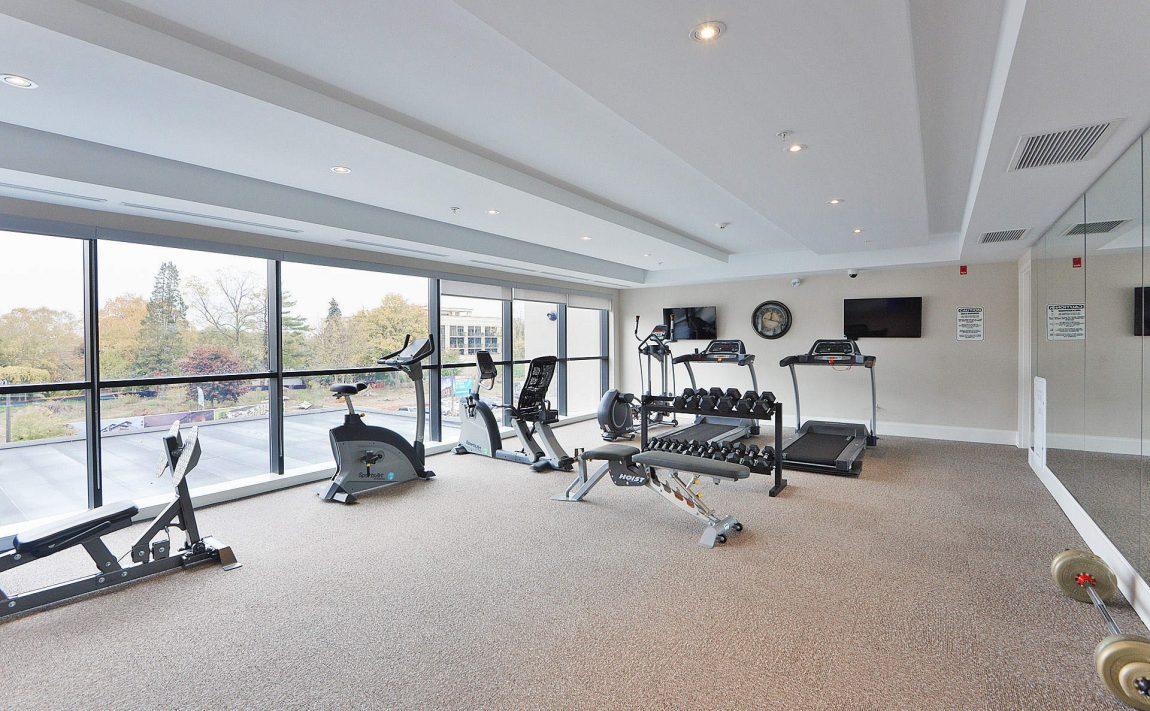 wyndham-condos-128-garden-dr-oakville-amenities-gym