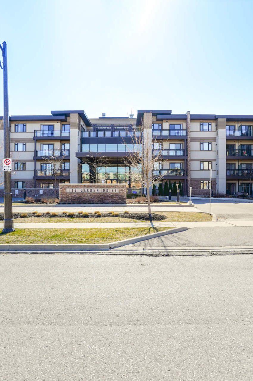 wyndham-condos-128-garden-dr-oakville-downtown