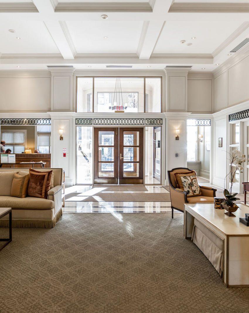 111-forsythe-st-condos-oakville-concierge