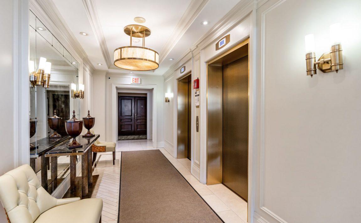 111-forsythe-st-condos-oakville-elevators