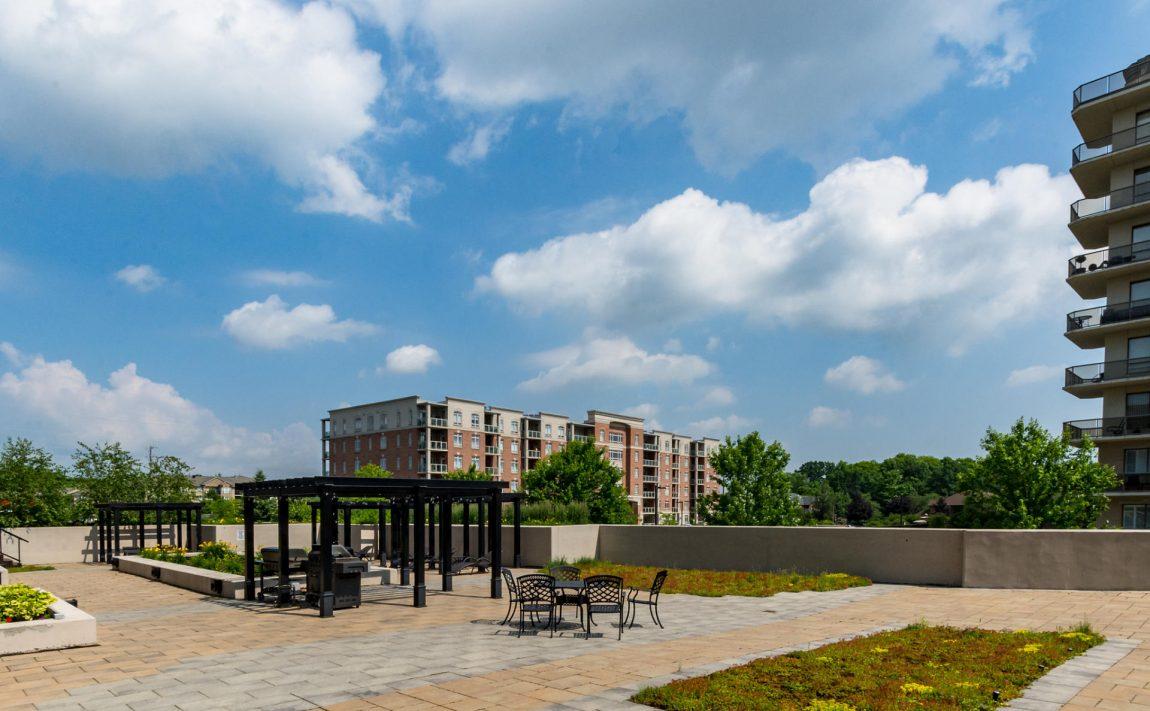 1940-ironstone-dr-burlington-condos-for-sale-amenities-rooftop-terrace