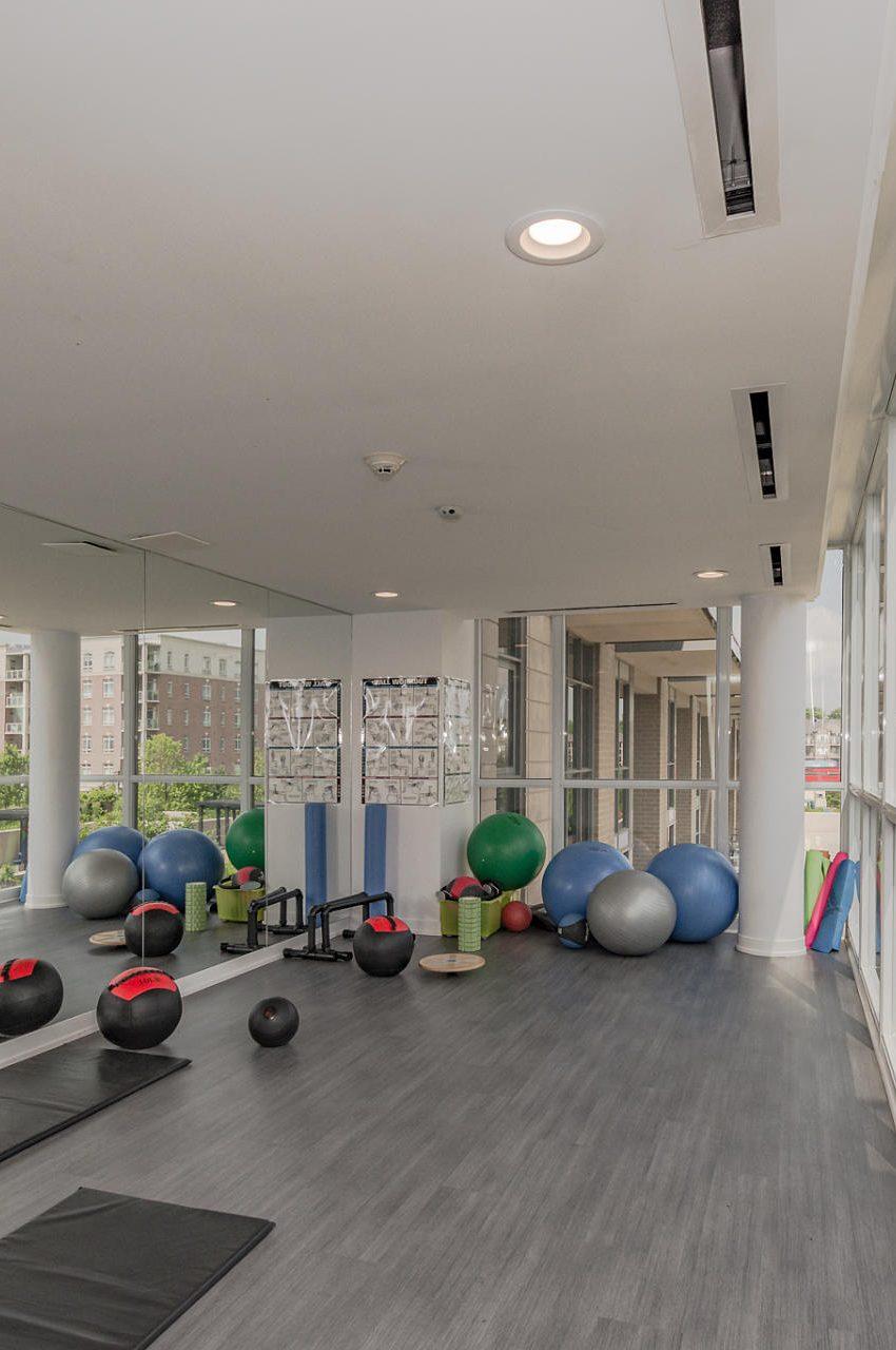 1940-ironstone-dr-burlington-condos-for-sale-amenities-yoga-studio