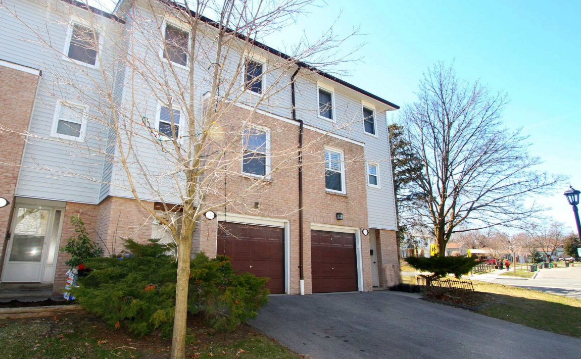 2440-bromsgrove-rd-mississauga-clarkson-townhomes