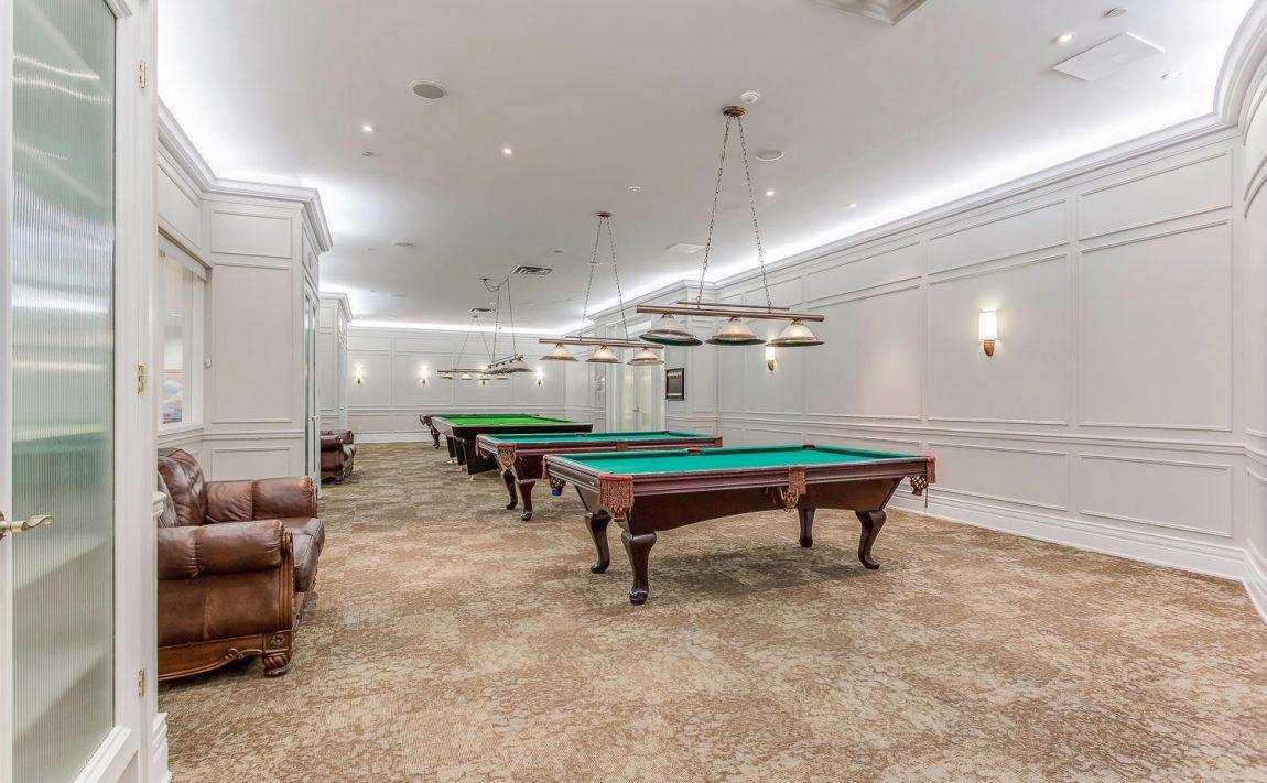35-kingsbridge-garden-circle-25-kingsbridge-garden-circle-mississauga-skymark-condos-billiards