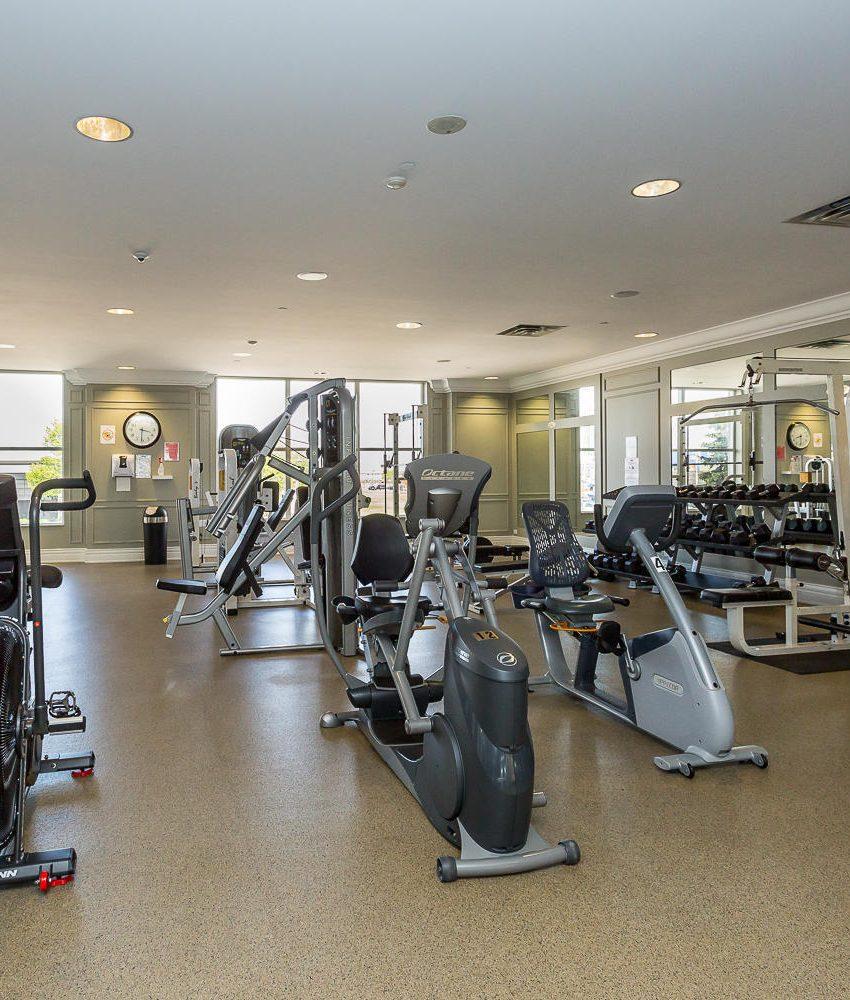 35-kingsbridge-garden-circle-25-kingsbridge-garden-circle-mississauga-skymark-condos-gym-fitness