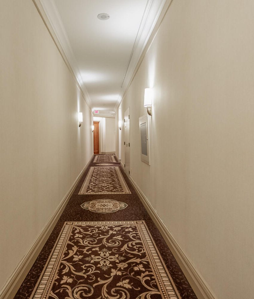 35-kingsbridge-garden-circle-25-kingsbridge-garden-circle-mississauga-skymark-condos-hallway