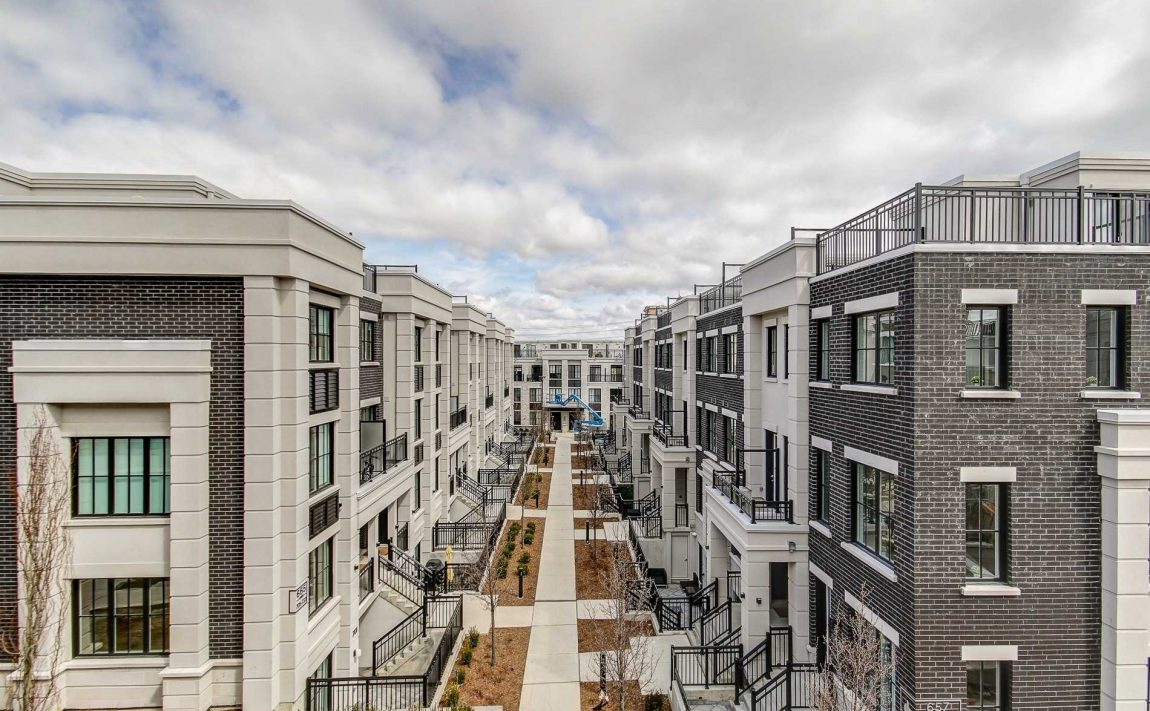 the-reserve-east-mineola-mississauga-cawthra-lakeview-port-credit-townhomes-for-sale