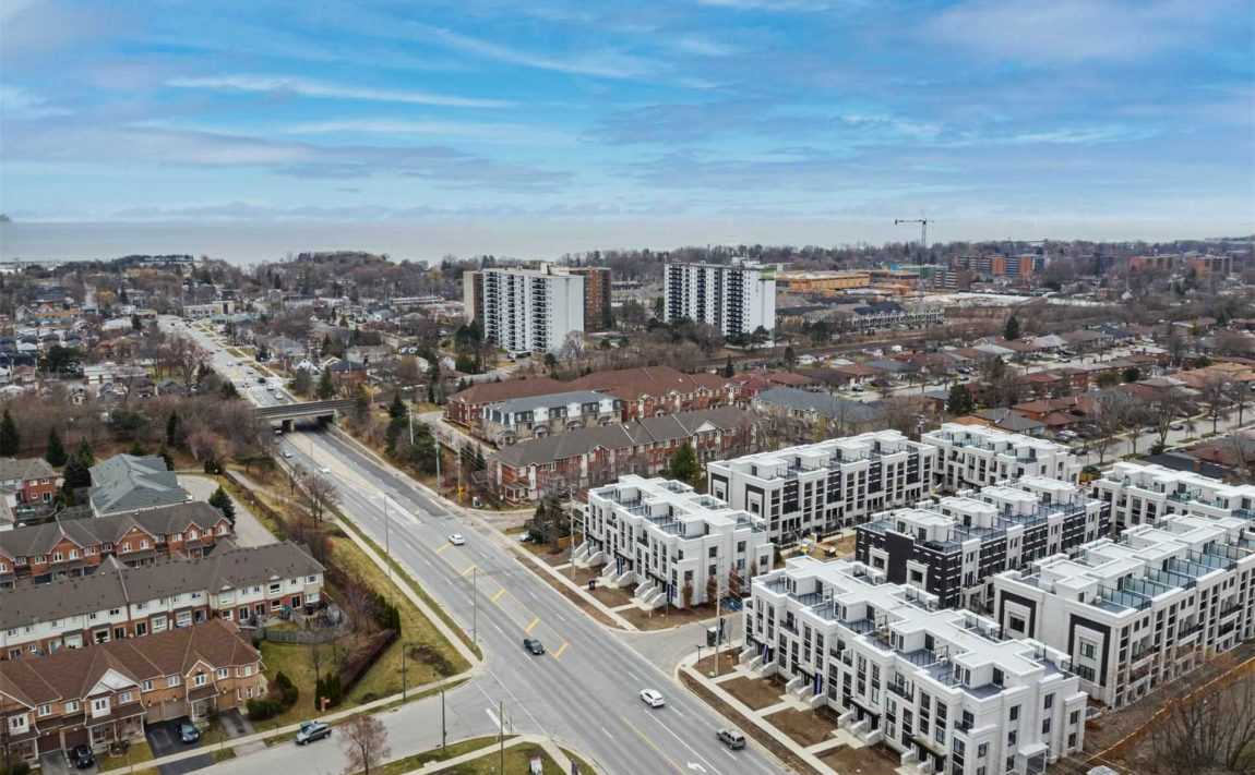the-reserve-east-mineola-mississauga-cawthra-lakeview-port-credit-townhouses