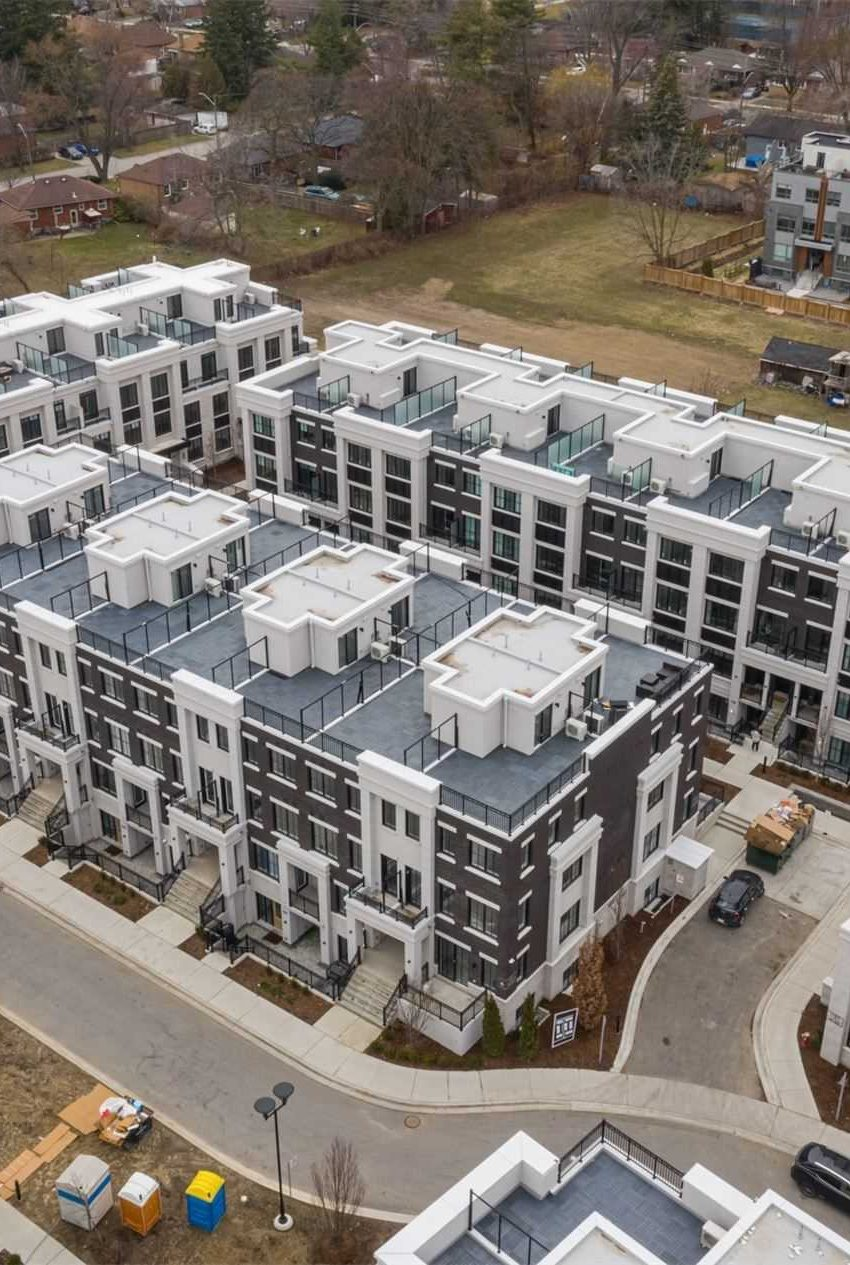 the-reserve-east-mineola-mississauga-cawthra-townhouses