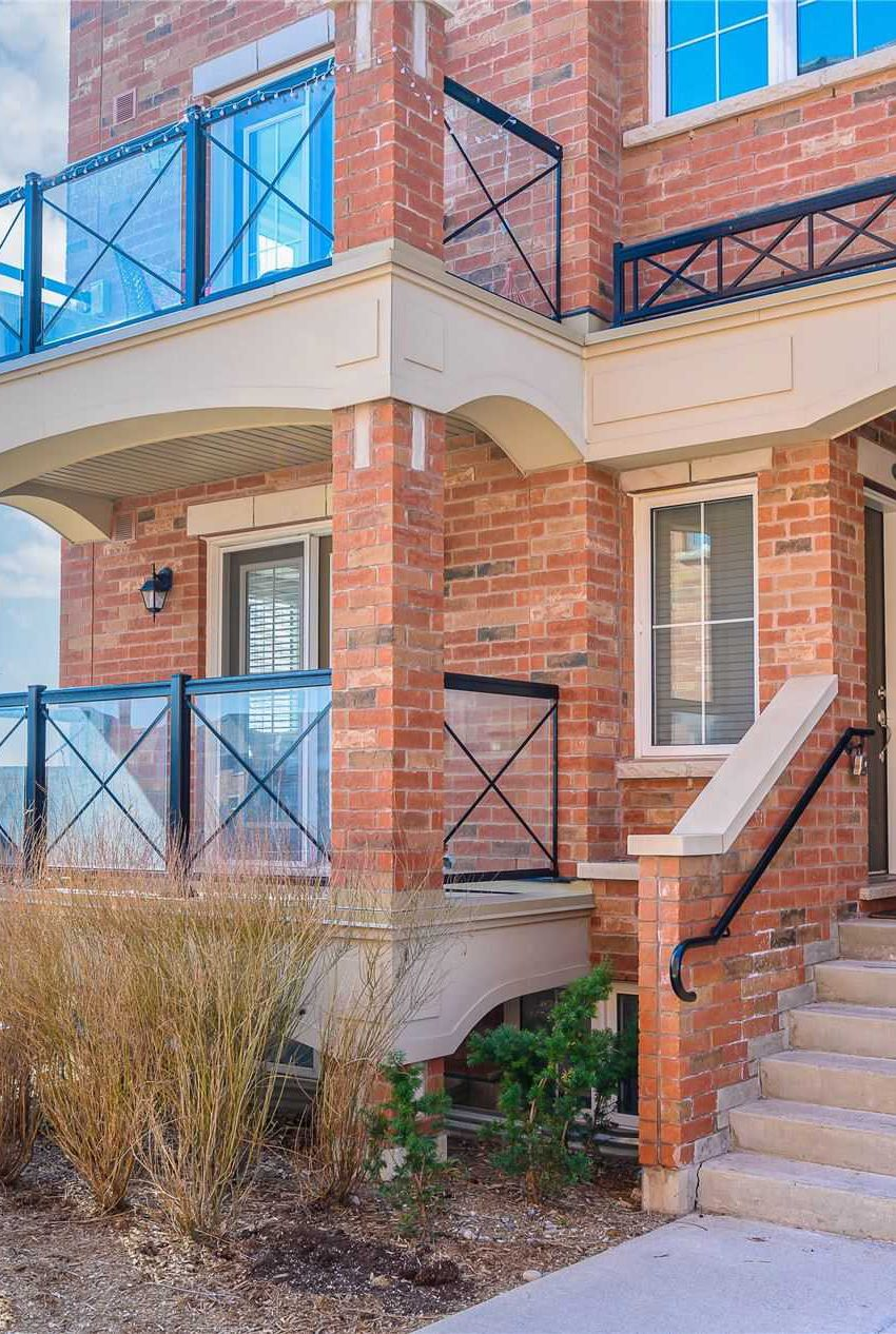waterlilies-oakville-townhomes-uptown-core-for-sale-post-rd