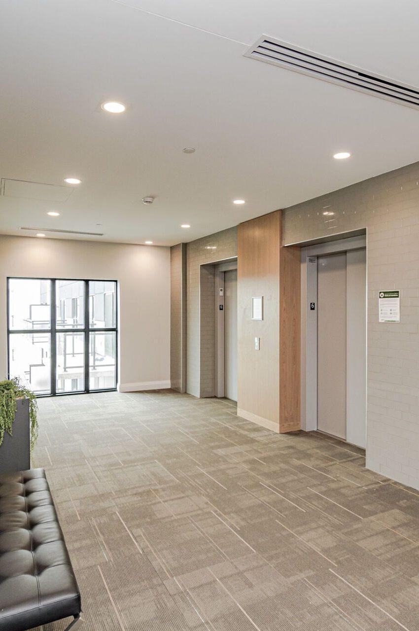 128-grovewood-common-cres-oakville-condos-elevator-hallway