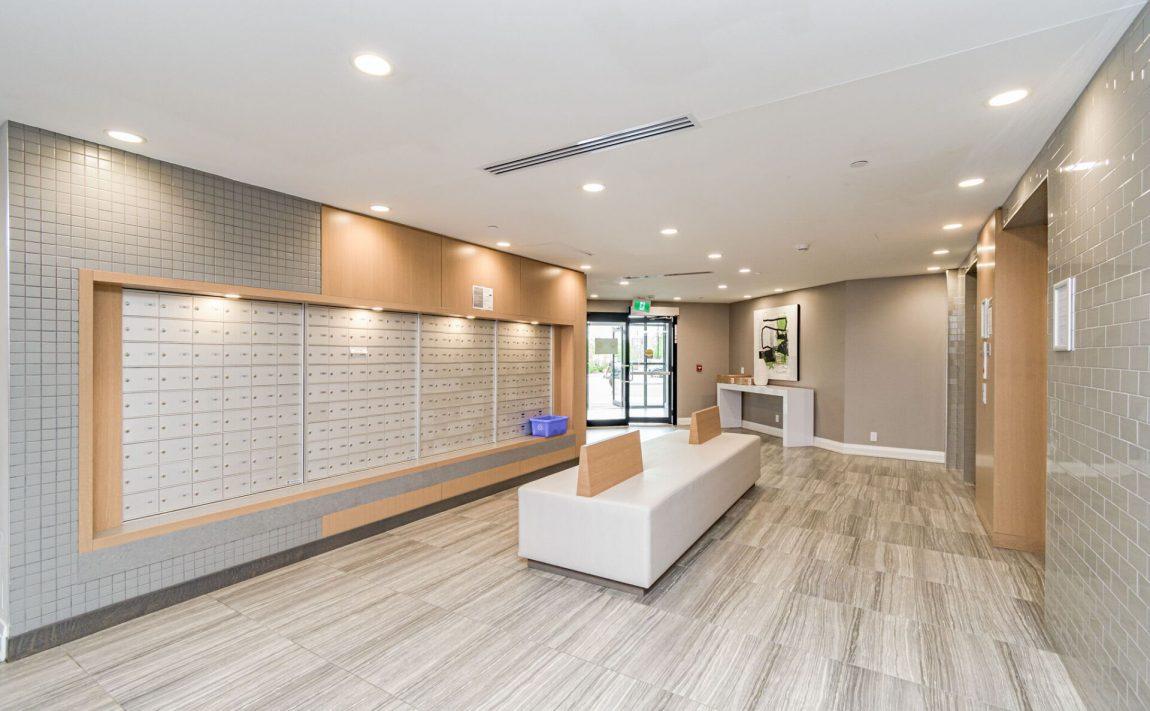 128-grovewood-common-cres-oakville-condos-lobby