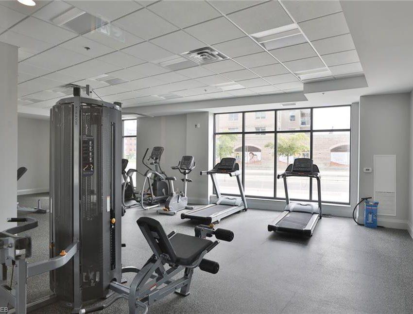 150-oak-park-blvd-oakville-condos-amenities-gym