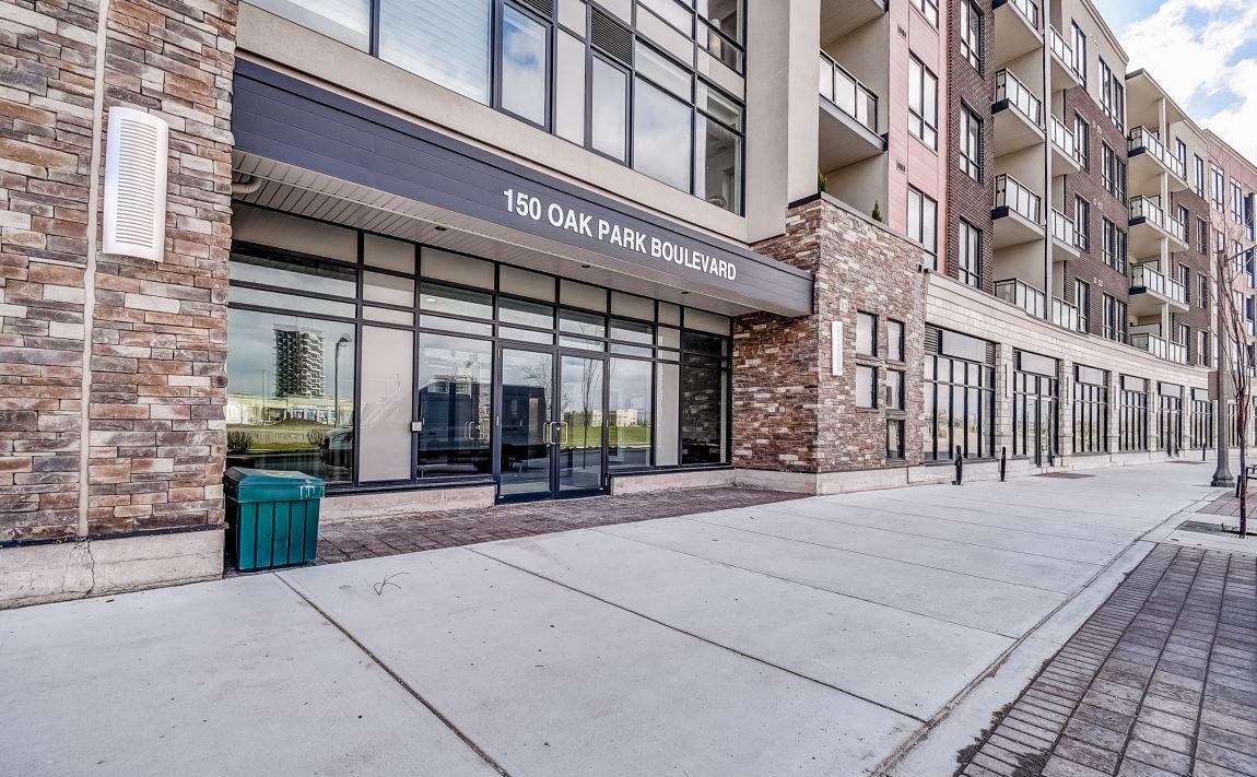 150-oak-park-blvd-oakville-condos-for-sale-front-entrance