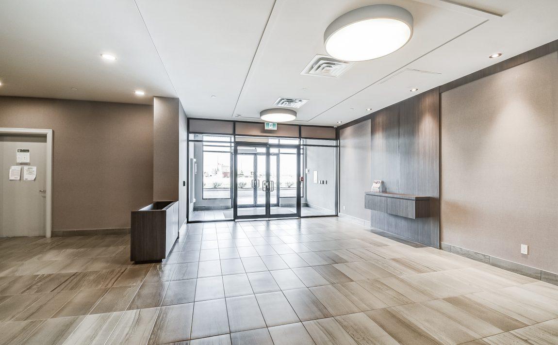 150-oak-park-blvd-oakville-condos-foyer
