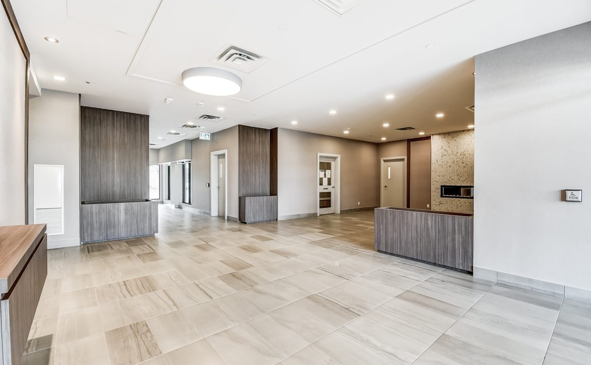 150-oak-park-blvd-oakville-condos-foyer-elevator-lobby