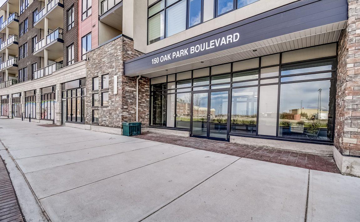 150-oak-park-blvd-oakville-condos-front-entrance