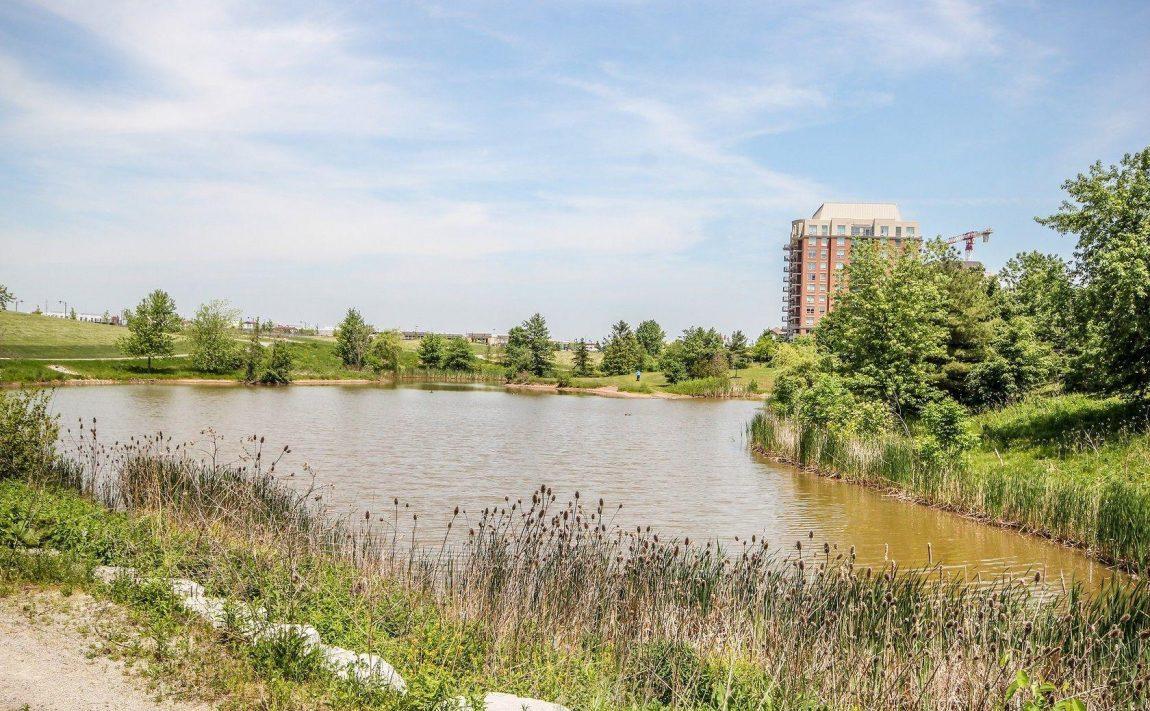 150-oak-park-blvd-oakville-condos-parks-green-space