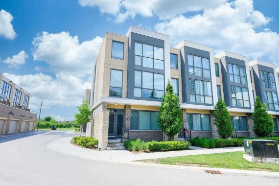 Luxury Square One Townhome / Represented Buyer / 3 Bed + Den