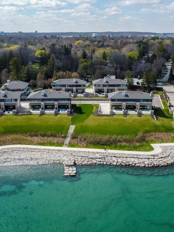 gardens-of-edgemere-10-maple-grove-dr-oakville-luxury-townhouses-waterfront
