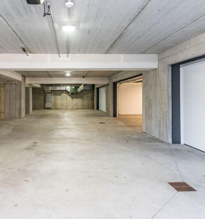 gardens-of-edgemere-10-maple-grove-dr-oakville-underground-parking